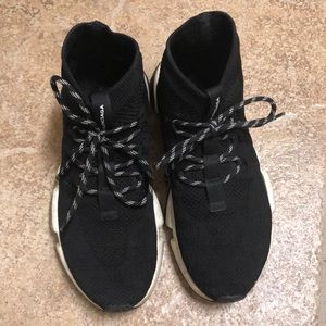 💯 Authentic Balenciaga speed lace-up sneakers